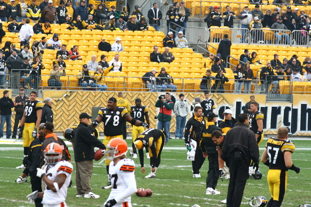 Pittsburgh_Steelers_warmup